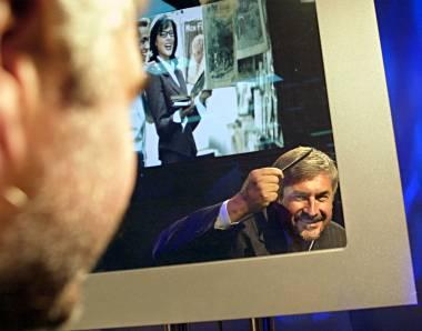 Mirror TV - Philips integriert 30-Zoll-LCD in Spiegel - Golem.de