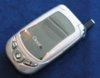 Kompaktes PalmOS-Smartphone mit SD-Card-Slot und Kamera