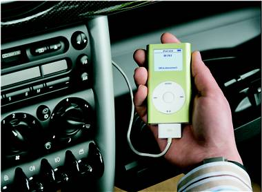 Apples iPod mini im BMW Mini
