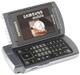 Zweimal gefaltet: Samsung-Handy mit Breitbild-Display
