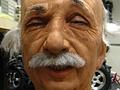 Einstein lernt lächeln