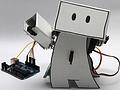 Selbstbauroboter überwacht Twitterfeeds