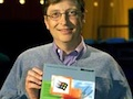 Bill Gates zeigt stolz Windows 2000