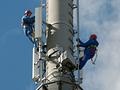 4G-Techniker bei der Arbeit (Bild: Telekom)