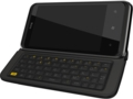 HTC 7 Pro: Smartphone mit Windows Phone 7 und QWERTZ-Tastatur