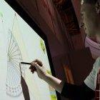 Sanyo-Beamer: Die Leinwand wird zum Touchpad