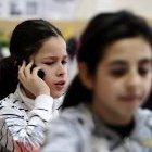Elektromagnetische Felder: Mobilfunkbranche will Handyverbot in Schulen verhindern