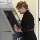 Skimming: Betrüger verlegen sich auf Fahrkarten- und Tankautomaten