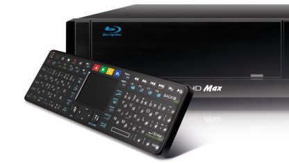 Dune HD Qwerty vor dem Universal-Player Dune HD Max