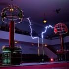 Hochspannung: Das Tesla Orchestra spielt Bach auf Resonanztransformatoren