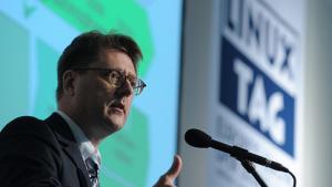 Andreas Heinrich spricht auf dem Linuxtag über die Migration der Müncherstadtverwaltung zu Linux