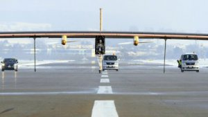 Solar Impulse auf der Startbahn