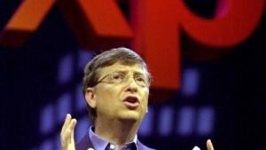 Microsoft-Chef Bill Gates im Jahr 2001 bei der Produktvorstellung von Office XP
