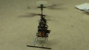 Fahrender Roboter hebt gleich ab