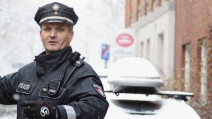 Hamburger Polizist im Dezember 2010