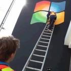 Gagaktion: Apple Store mit Windows-Logo geschmückt