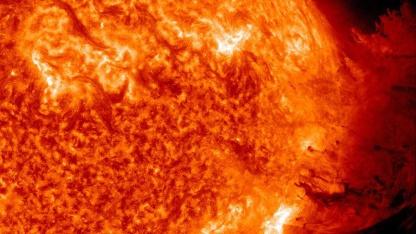 SDO: Hochauflösende Bilder einer Sonneneruption