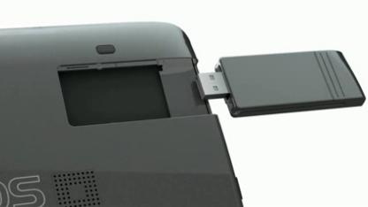 Der 3G-Stick kann beim Archos G9 einfach ins Gehäuse geschoben werden.