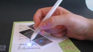 Gezeichnete Schaltkreise: Kugelschreiber mit einer besonderen Tinte
