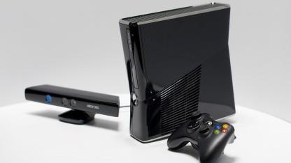 Xbox 360 mit Kinect und Controller