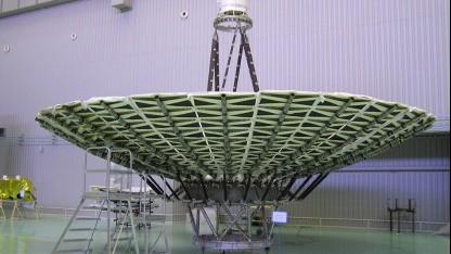 Elliptische Bahn um die Erde: russisches Weltraumradioteleskop Radioastron