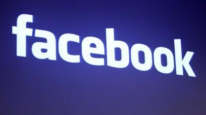 Facebook-Schriftzug am Hauptsitz des Konzerns