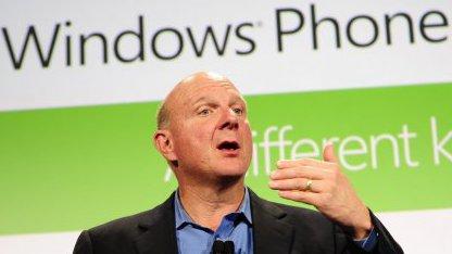 Steve Ballmer bei der Vorstellung von Windows Phone 7