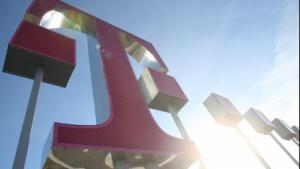 Frauen rein - Männer raus: Telekom baut Vorstand für Frauenanteil um
