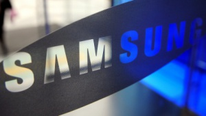 Samsung greift Nokia an.