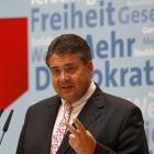 Nicht nur Polizeipräsenz: SPD-Chef will mehr soziales Verhalten im Internet