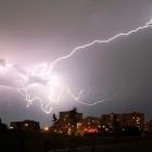 Cloud Computing: Blitzeinschlag macht Amazon und Microsoft Probleme