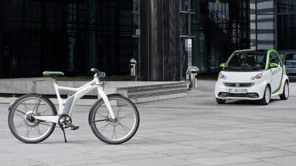 Elektro-Smart und E-Bike: Daimler stellt neue Elektrofahrzeuge vor.