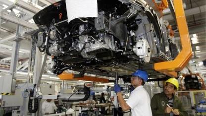 Vernetzt mit allen Produktionsstätten: Montage des Jetta Bicentennial im mexikanischen Puebla, 2010