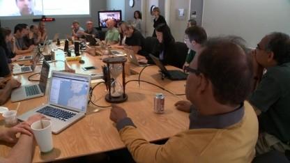 Google-Mitarbeiter diskutieren Änderungen am Suchalgorithmus.