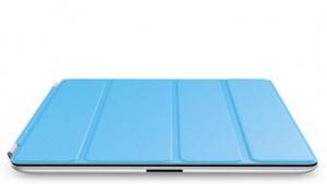 Der Akku wird auf das iPad-Smartcover gesteckt und bedeckt eine Lamelle.