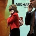 Mobiltelefon am Ohr: Handyantenne stört Glukosestoffwechsel im Hirn