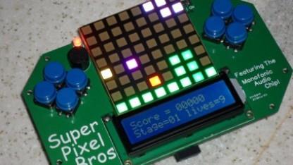 Brad Slatterys Super-Pixel-Bros-Spielehandheld zum Nachbau