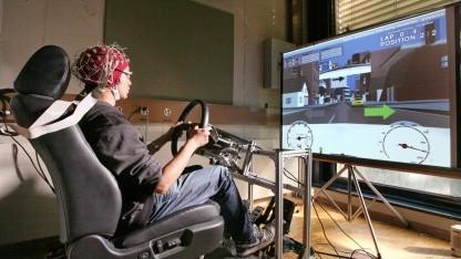 BCI-Assistenzsystem: Intelligenz des Fahrers und des Autos zusammenbringen