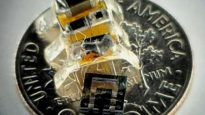 Zwei auf einer Münze: große Sprünge für kleine Roboter