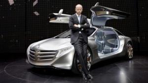 Daimler-Chef Dieter Zetsche stellte den F125 auf der IAA 2011 vor.
