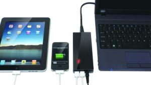 Das USNA 120 mit zwei USB-Ports und roter LED