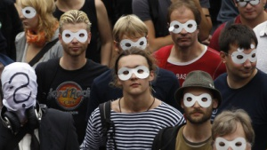 Demonstranten in Berlin fordern im September 2011 Anonymität im Internet.