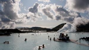 Wärme aus der Erde für viele Zwecke: Geothermalbad in Keflavík