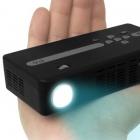 80 Lumen: Leichter Pico-Projektor mit 854 x 480 Pixeln Auflösung