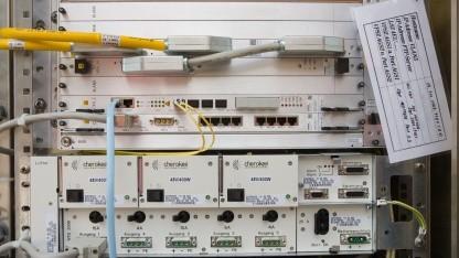 Outdoor DSLAM der Telekom in Multifunktionsgehäuse