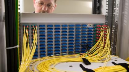 Glasfaserleitungen in der Vermittlungsstelle