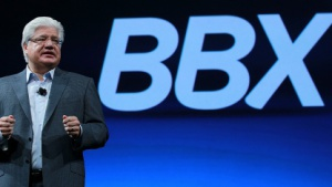 RIMs Co-Chef Mike Lazaridis stellt Blackberry BBX vor.