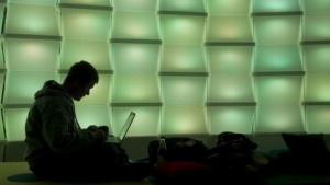 Nutzer in Deutschland: 28 Prozent der Onlinezeit vergehen bei Facebook und Google