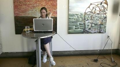 Computernutzerin: Mangelnde Nutzerfreundlichkeit verhindert Datenschutz.