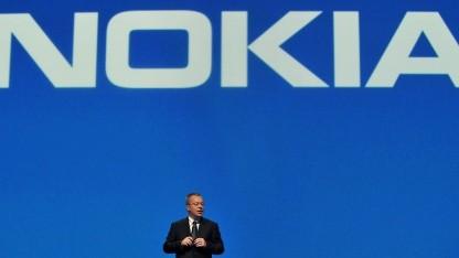 Nokia-Chef Stephen Elop bei der Vorstellung des Lumia 800